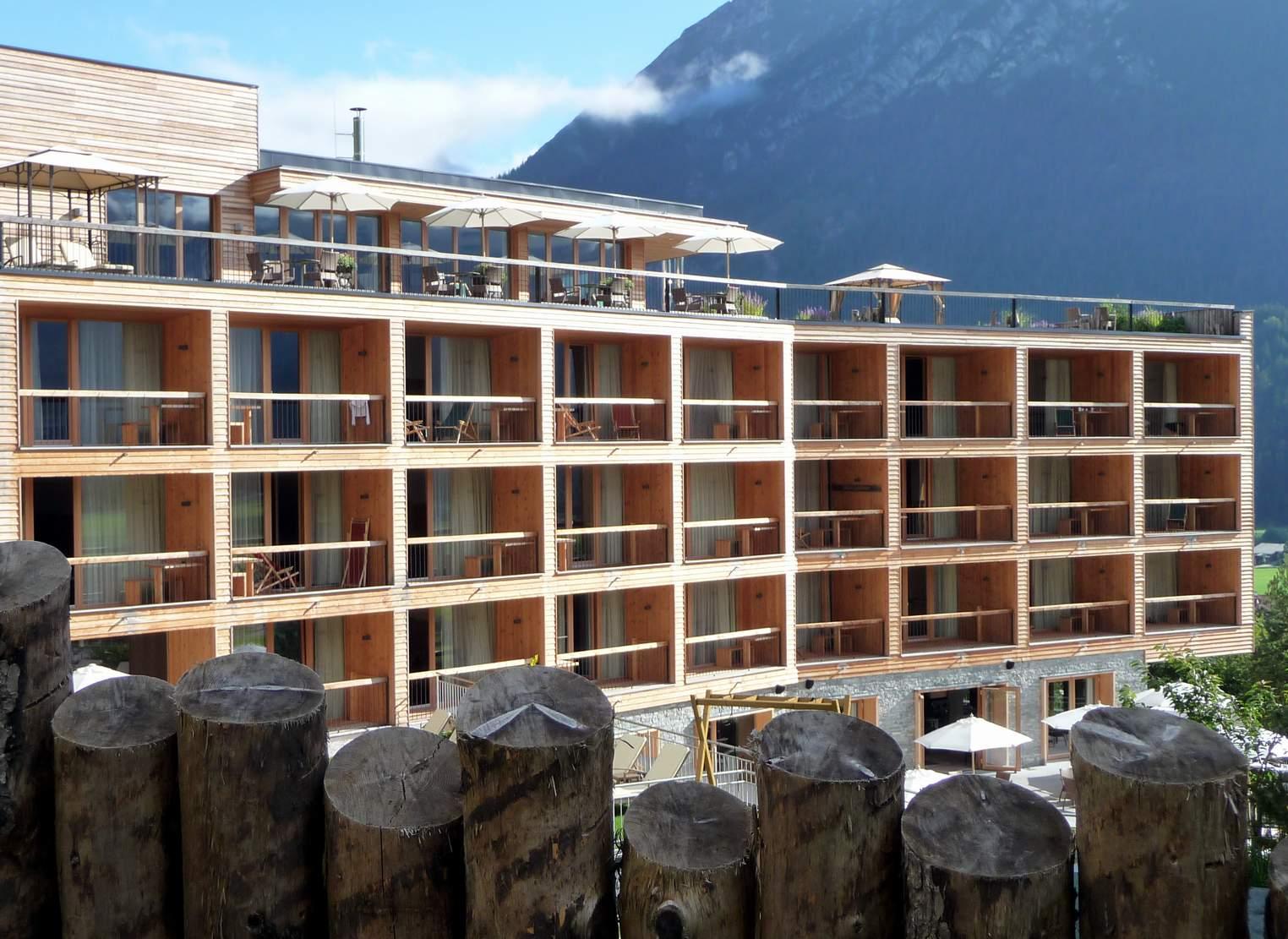Lifestyle resort arch blog for Design hotel achensee