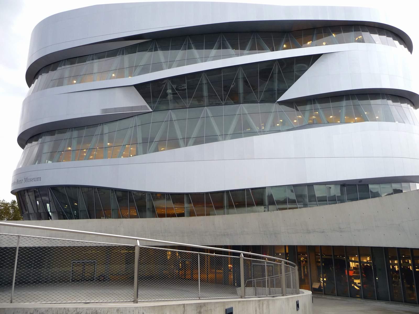 Mercedes Benz Museum: ...