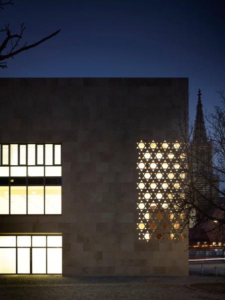 05_ksg_Ulm_Synagoge_CR_Nachtaufnahme