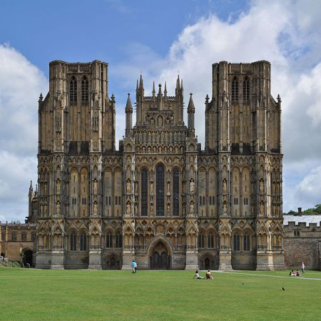 600px-Wells_Cathedral,_Wells,_Somerset