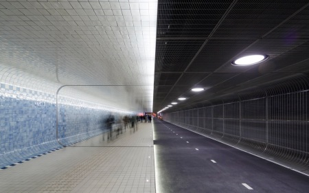 Benthem Crouwel Architects Amsterdam; Irma Boom; Amsterdam Centraal Station; langzaam-verkeer-tunnel;