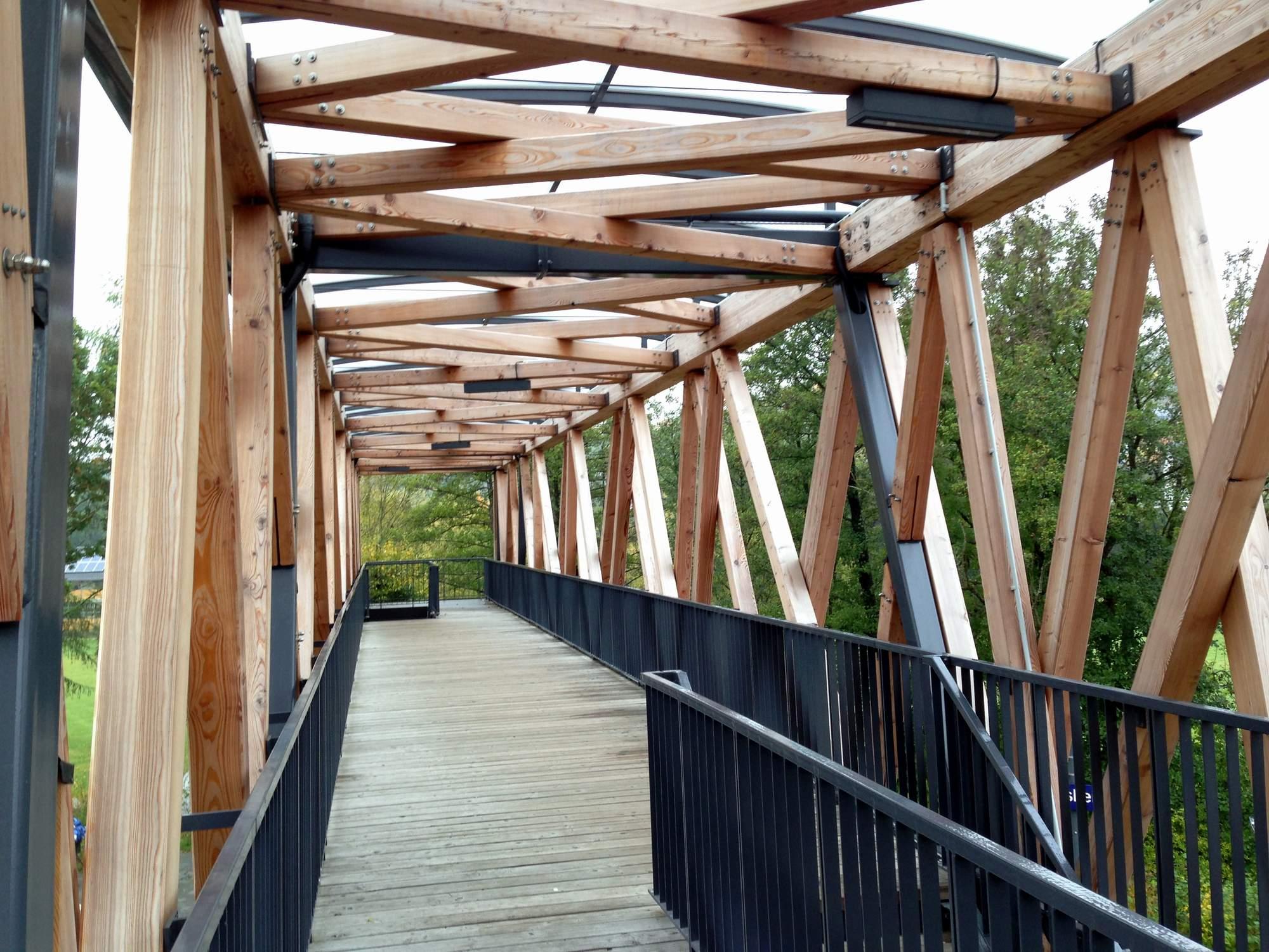 Bahn bergang aus holz arch blog for Fachwerkkonstruktion stahl